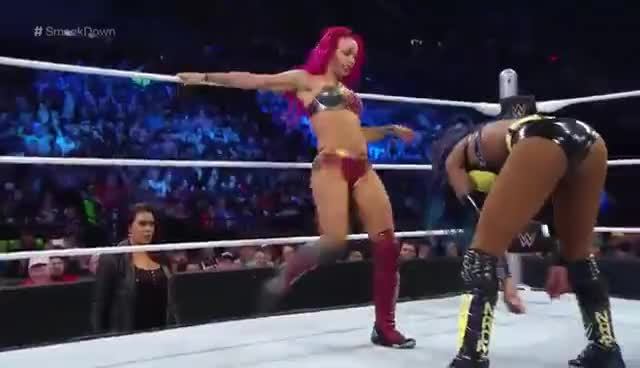 Sasha Banks, Sasha Banks attacking 2 GIFs