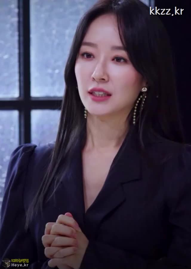 Watch and share Park Sun Young GIFs and 매의눈닷컴 GIFs by 매의눈닷컴(▶heye.kr) on Gfycat