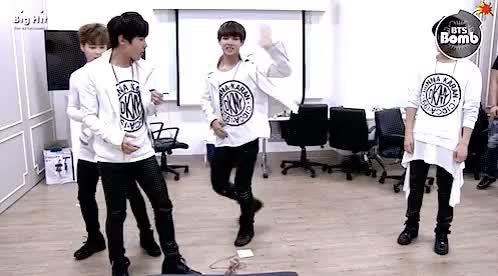Watch BTS V Kim Taehyung GIF on Gfycat. Discover more bangtan bomb, bangtan bomb v, bangtan boys, bangtan boys taehyung, bangtan boys v, bangtan sonyeondan, bts, bts bomb, bts derp, bts funny, bts gif, bts gifs, bts taehyung, bts taehyung gif, bts v, bts v gif, kim taehyung, kim taehyung v, my gif, my gifs, v alien, v kim taehyung GIFs on Gfycat