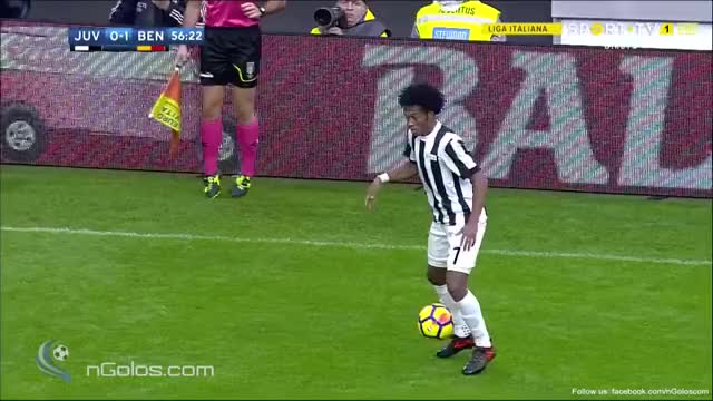 Watch and share (www.nGolos.com) Juventus [1]-1 Benevento - Higuain 57' GIFs on Gfycat