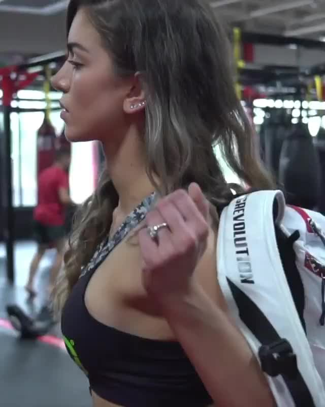 Watch and share Anllela_sagra 2018-09-16 22:51:13.211 GIFs by Pams Fruit Jam on Gfycat