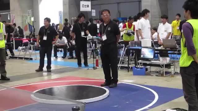 Watch and share Highspeed Robot Sumo Wrestling GIFs by bambule on Gfycat