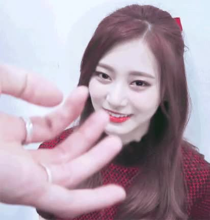 Watch tzuyu GIF by @nabonkers on Gfycat. Discover more related GIFs on Gfycat
