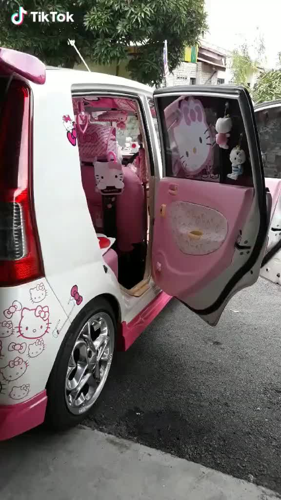 Watch so many Hellokitties GIF by GIFS&VIDEOS (@alarmingroof) on Gfycat. Discover more related GIFs on Gfycat