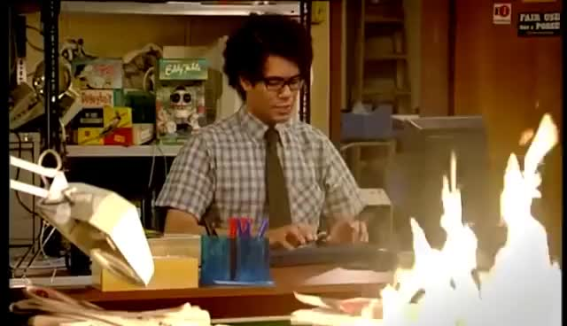 Watch The IT Crowd - Fire! GIF on Gfycat. Discover more Richard Ayoade GIFs on Gfycat