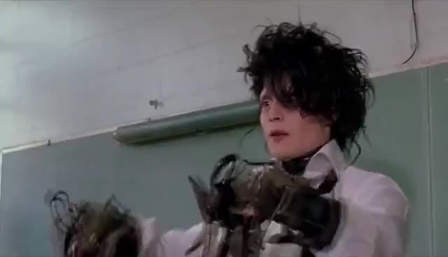Edward Scissorhands Gifs Search Search Share On Homdor