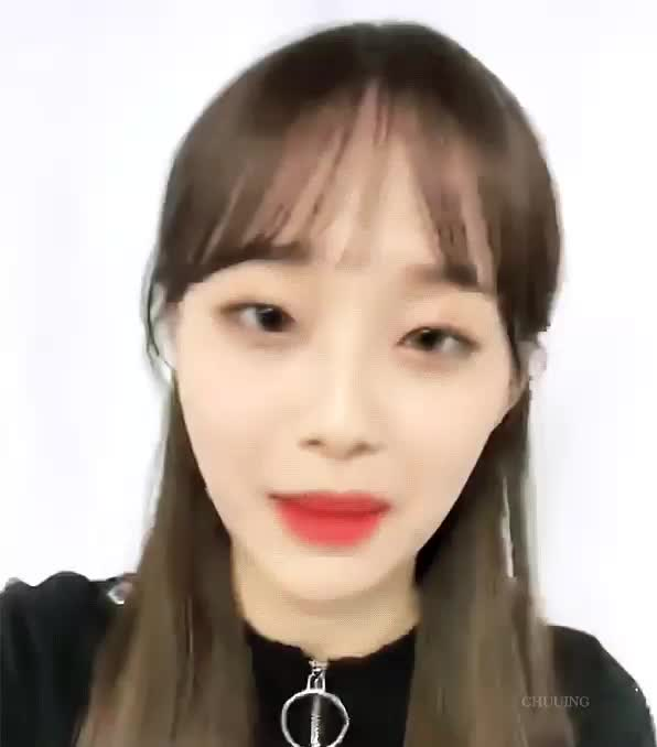 Watch and share Loona GIFs and Chuu GIFs by Fireballnation  on Gfycat