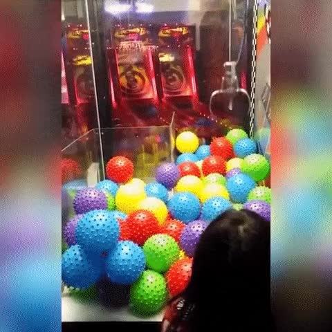 Watch and share Gif-machine-arcade-games-3829610 GIFs on Gfycat