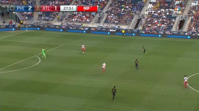 Watch and share Almiron Moving Behind Midfield GIFs by Evercombo on Gfycat