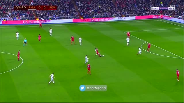 Watch and share Madrid Sports - ¡QUÉ GOLAZO DE JAMES RODRÍGUEZ! GIFs on Gfycat