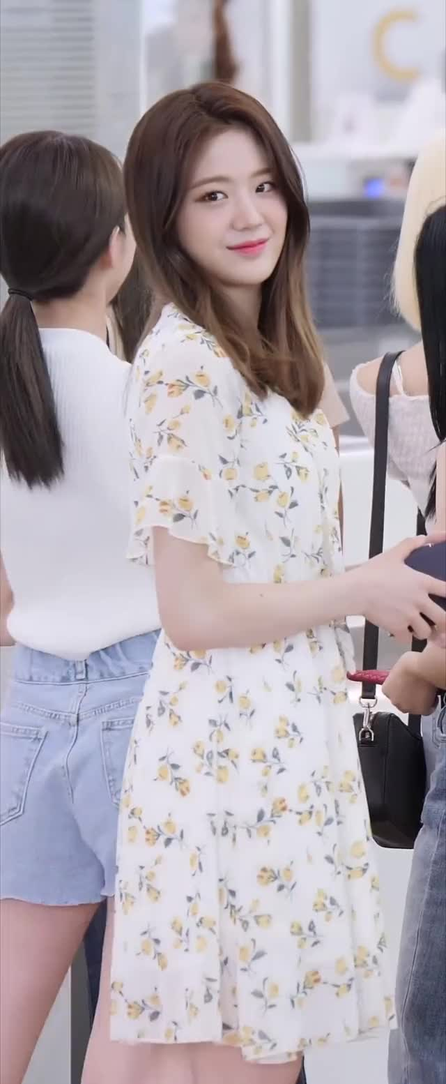 Watch and share Fromisnine GIFs and Fromis 9 GIFs by Kuro | 구로카미 on Gfycat