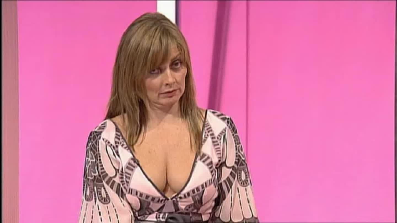 carol-vorderman-gifs-isabel-samba-nude