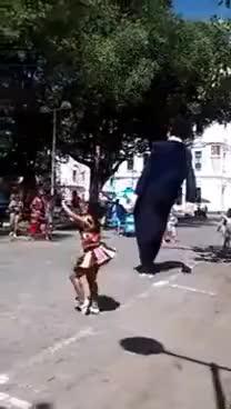 Watch and share Lançamento Do Boneco Gigante De Olinda, Do Juiz Sérgio Moro GIFs on Gfycat