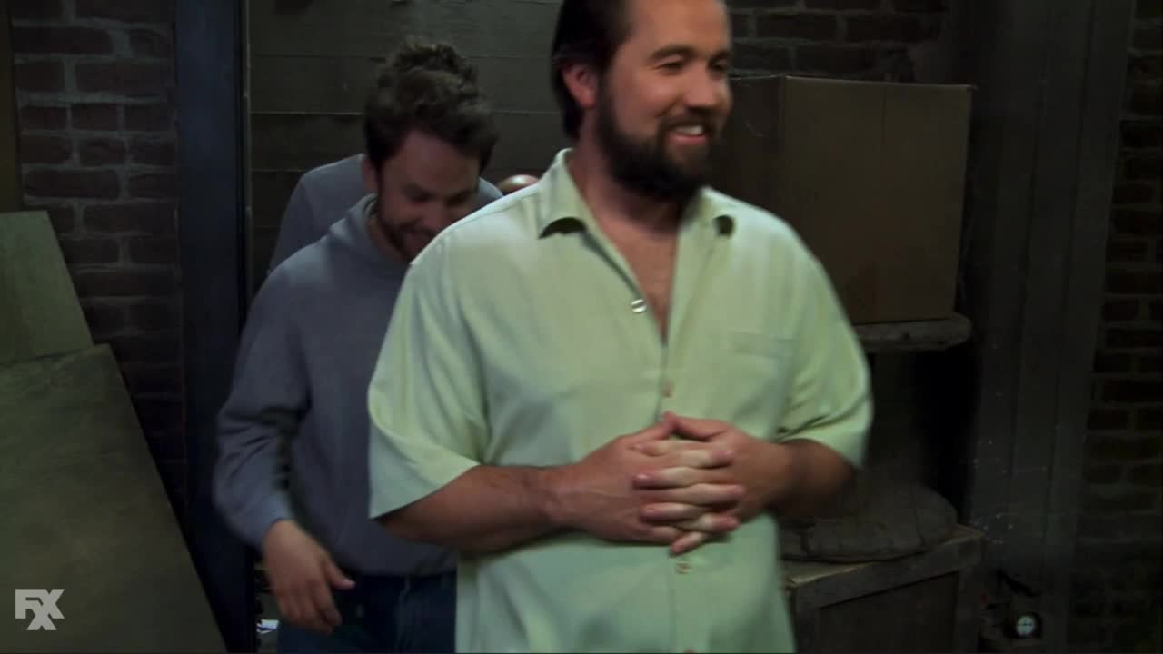 Sunny, hqgifs, iasip, The Gang Tries to Reach the Front Page GIFs