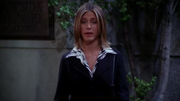 Watch and share Jennifer Aniston And Lisa Kudrow On 'Friends' GIFs by patel on Gfycat