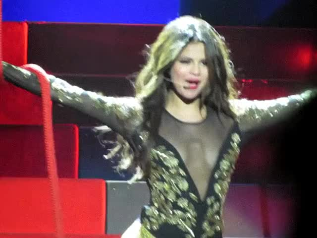 Watch Selena Gomez GIF by @ade on Gfycat. Discover more related GIFs on Gfycat