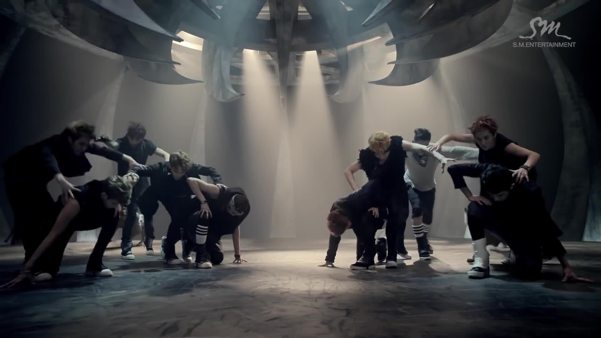 Đang đà trở lại, EXO thản nhiên bỏ túi thêm 1 MV trăm triệu views