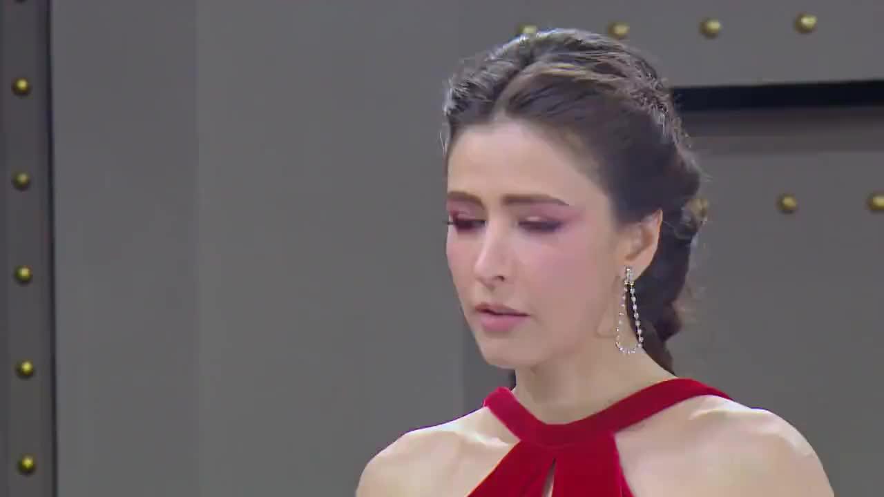 Loại người mà mặt HLV vẫn ngơ ngác như ngọc nữ chắc chỉ có The Face Thailand All-Stars
