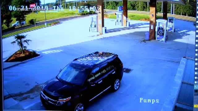 The fuel door is on the OTHER side. GIFs