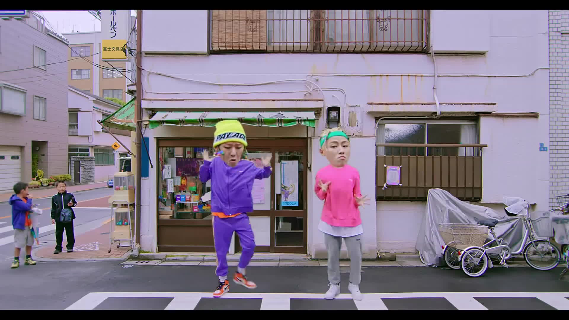Trận chiến Kpop tháng 7 càng thêm khốc liệt: 'Quái vật nhạc số' Zico chính thức tung hàng