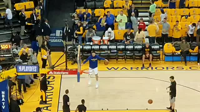 Watch and share Baksetball GIFs and Thompson GIFs by wowot1 on Gfycat