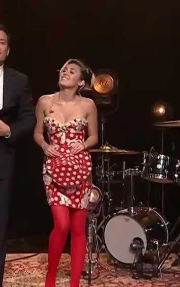 Celebs, mileycyrus, Miley Cyrus (reddit) GIFs