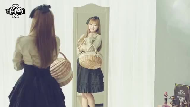 Watch and share Ohmygirl GIFs and Kpics GIFs by enter_text_here on Gfycat