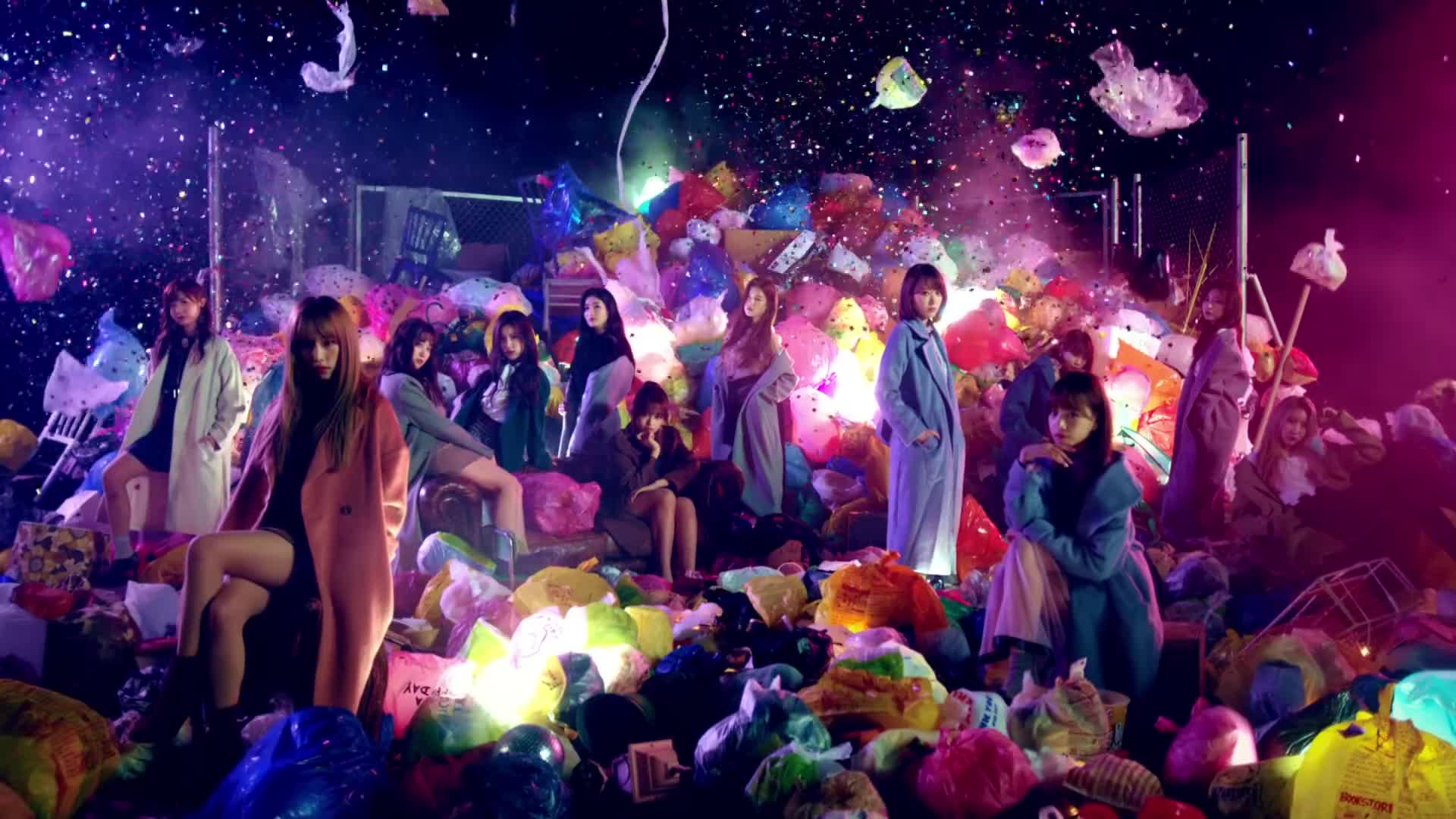 an yu jin, choi ye na, iz one, iz*one, jang won young, jo yu ri, miyawaki sakura, produce48, yabuki nako, アイズワン, プロデュース フォーティーエイト, 宮脇 咲良, 미야와키 사쿠라, 아이즈원, 안유진, 야부키 나코, 장원영, 조유리, 최예나, 프로듀스48, IZ*ONE (아이즈원) - '好きと言わせたい (Suki to Iwasetai)' MV GIFs