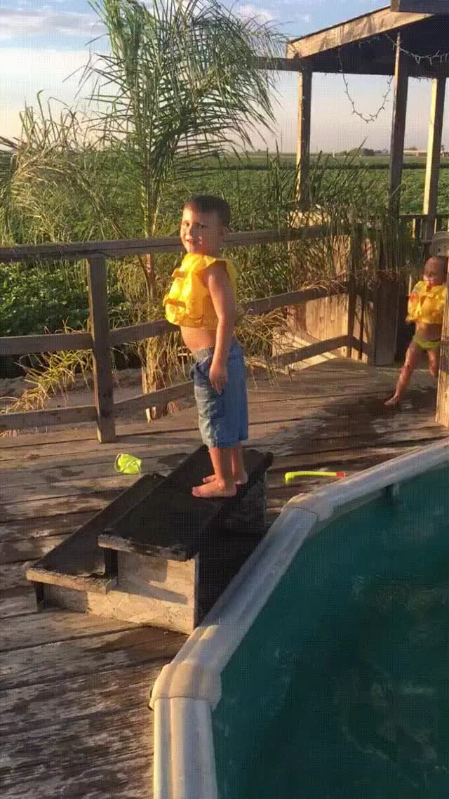 Watch and share HMJB While I Jump Backwards Into The Pool GIFs by Funnygifs on Gfycat