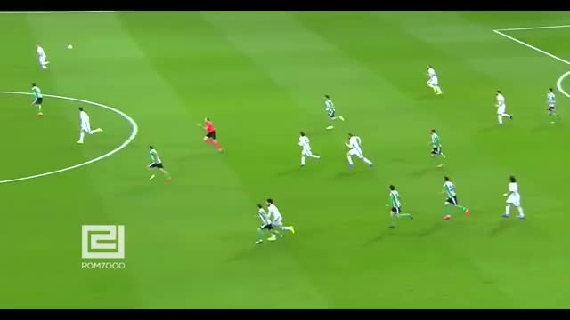 Watch and share Football GIFs and Passes GIFs on Gfycat