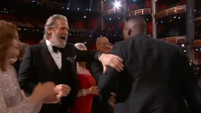 Watch and share Oscars GIFs by Smoke-away on Gfycat