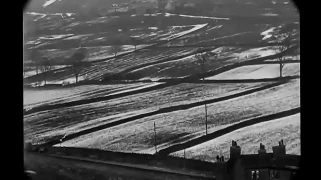 January 1902   Visual tour of a snowy, cold Halifax, England with sound (Stabilized)