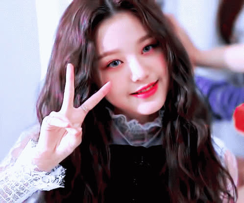adorable, cute, iz*one, jang wonyoung, wiz*one, wonyoung, Wonyoung 1 GIFs
