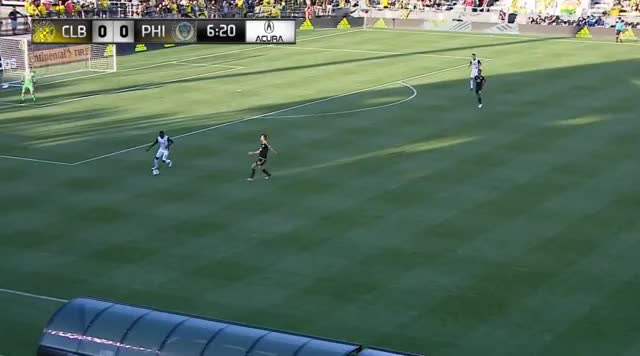 Watch and share Union Good Buildup Vs 3-backs GIFs by Evercombo on Gfycat
