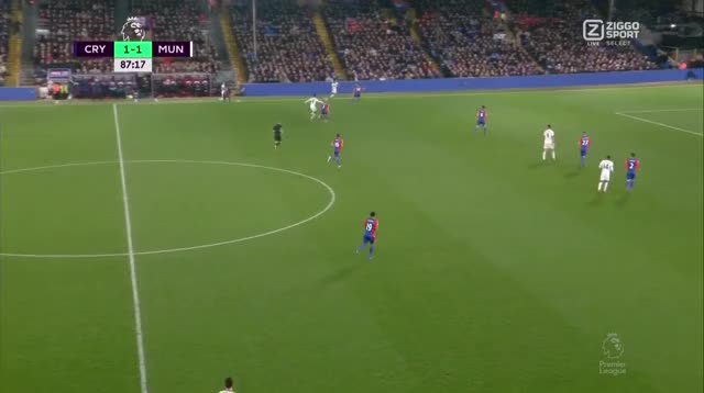 Watch and share 44 Ibrahimovic (1) GIFs by mu_goals_16-x on Gfycat