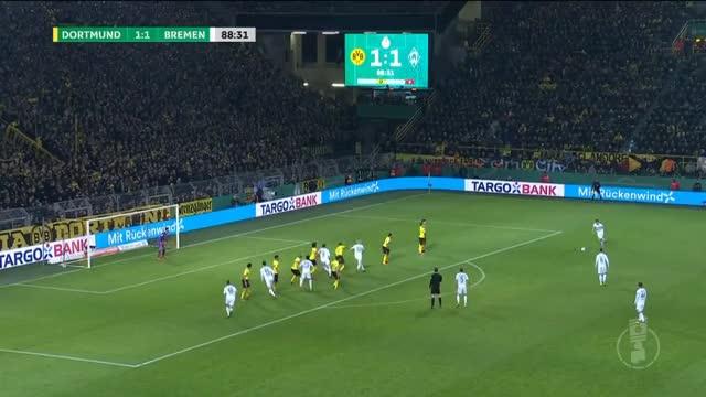 Watch and share Borussia Dortmund GIFs and Oelschlägel GIFs by LennyBodega on Gfycat