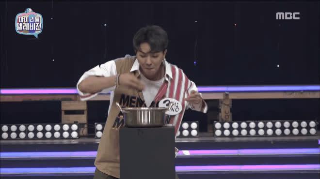 Rũ bỏ vest lịch lãm, WINNER khiến fan té ngửa với màn ăn mì, bánh gạo bằng tay không đụng hàng
