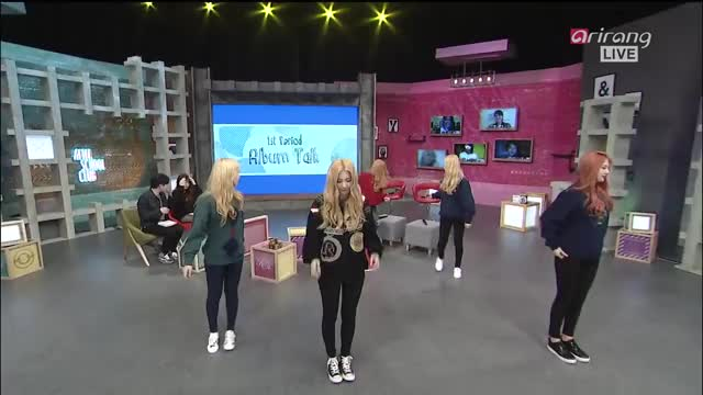 Watch and share Redvelvetsm GIFs and Irene GIFs on Gfycat