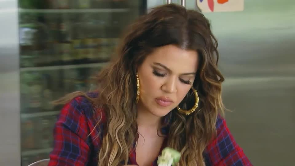 breakfast, dinner, eat, eating, fat, fatty, food, full, hungry, kardashians, keeping, khloe, kuwtk, lunch, meal, mouth, salad, the, up, with, Keeping Up With the Kardashians GIFs