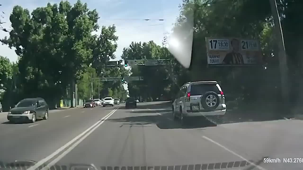 car, car in winter, cars, dashcam, driver, drivers, new car, speed, truck, trucks drivers, winter roads, How To Not Drive Your Car in 2019.. GIFs