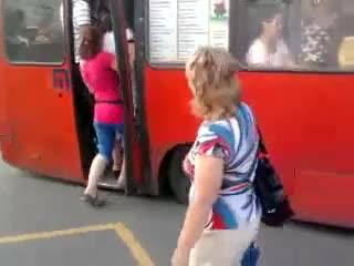Extremely Overcrowded Bus Extremely, Overcrowded, Bus, OMG, WTF GIF