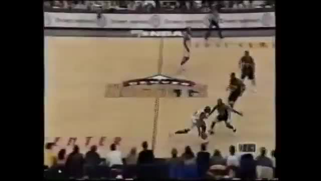 Nick Van Exel's contested 360 three pointer. GIFs