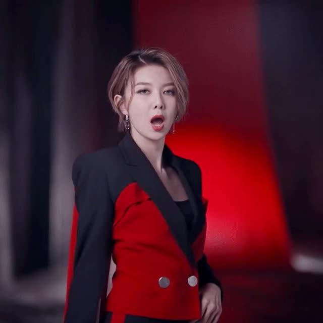 Watch and share Dami GIFs and Kpop GIFs by 우한경 Hanky - uwu on Gfycat