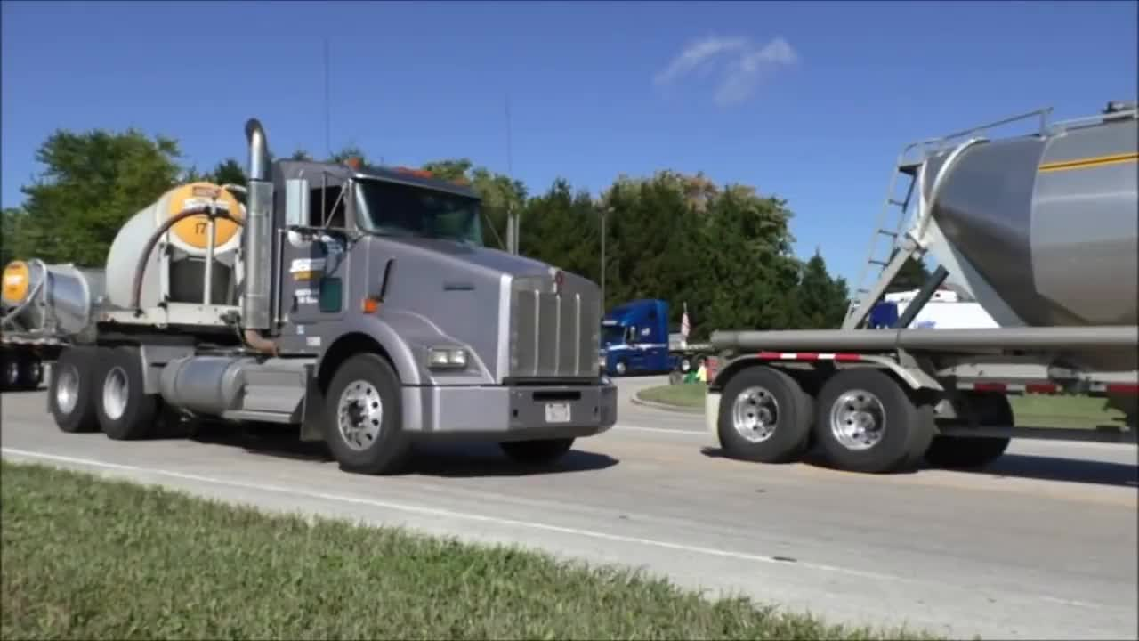 2016, Convoy, Horn, Semi, Show, Train, WIsconsin, big, biggest, custom, kenworth, largest, olympics, peterbilt, richfield, rig, rigs, special, truck, Wisconsin's Largest Truck Convoy 2016 GIFs
