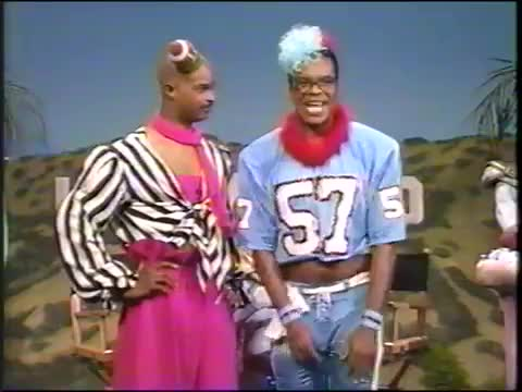 Watch Men on Football - two snaps and a backfield in motion GIF by Unsurprised (@unsurprised) on Gfycat. Discover more approved, awesome, comedy, dag, damon wayans, david alan grier, football, funny, halftime show, in living color, like, liked, men on film, men on football, snap GIFs on Gfycat