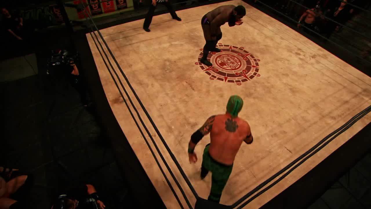 El Dragon Azteca Jr, LuchaUnderground, SquaredCircle, Lucha Underground - El Dragon Azteca Jr's incredible DDT-J on The Mack! GIFs