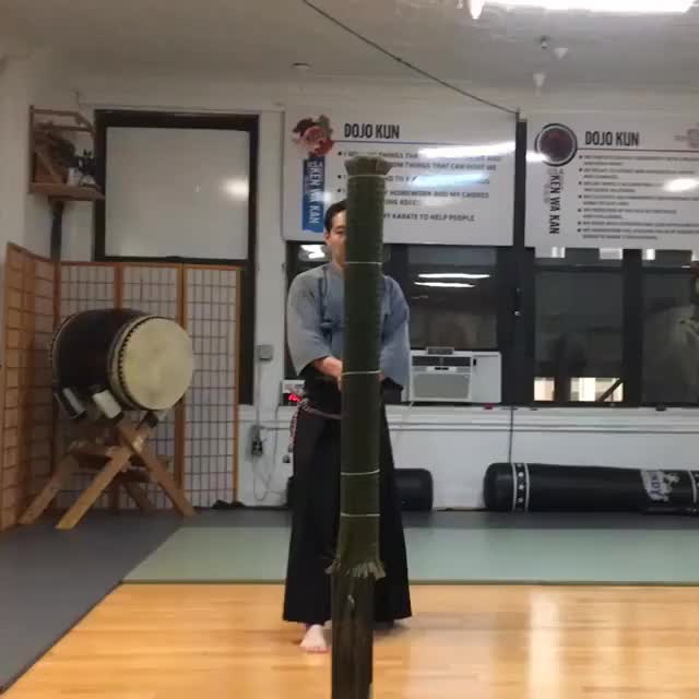 Watch Jin GIF on Gfycat. Discover more Dojo Instagram, battodo, byakkokan_nyc, iaido, japanesesword, katana, kenjutsu, tameshigiri GIFs on Gfycat