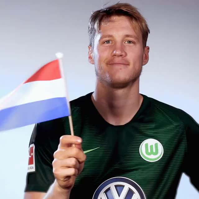 Watch and share 9 Flag HOL GIFs by VfL Wolfsburg on Gfycat