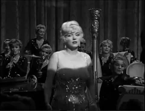 Monroe, Monroe! GIFs