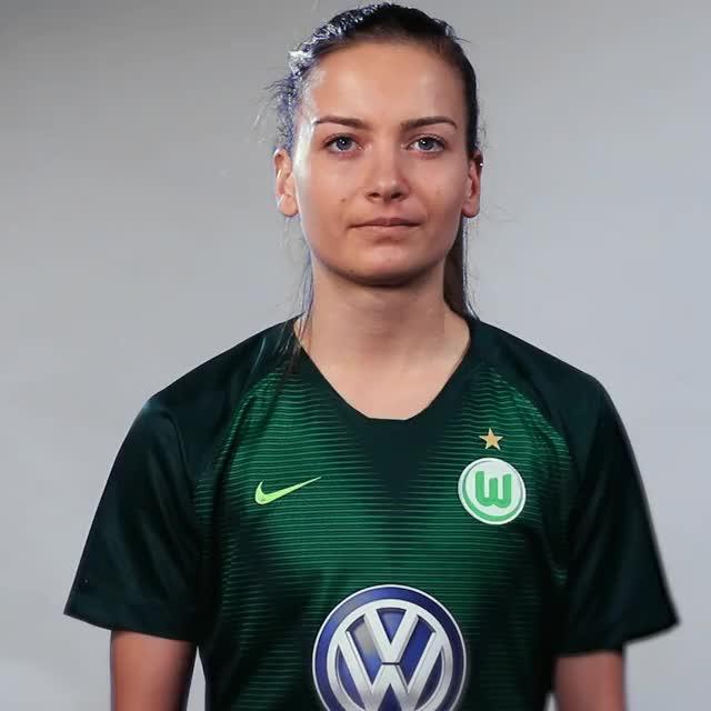 Watch and share Joelle Wedemeyer - Fahne Bosnien-Herzigowina GIFs by VfL Wolfsburg on Gfycat